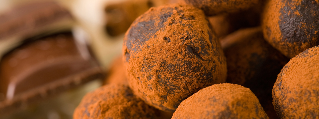 Chocolate truffles rolled into cocoa powder, made from our raw ingredients in Bakery
